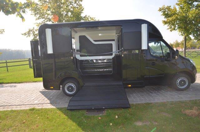 camion vl 3 5t stx standard 5 places assises vans alain guiberteau. Black Bedroom Furniture Sets. Home Design Ideas